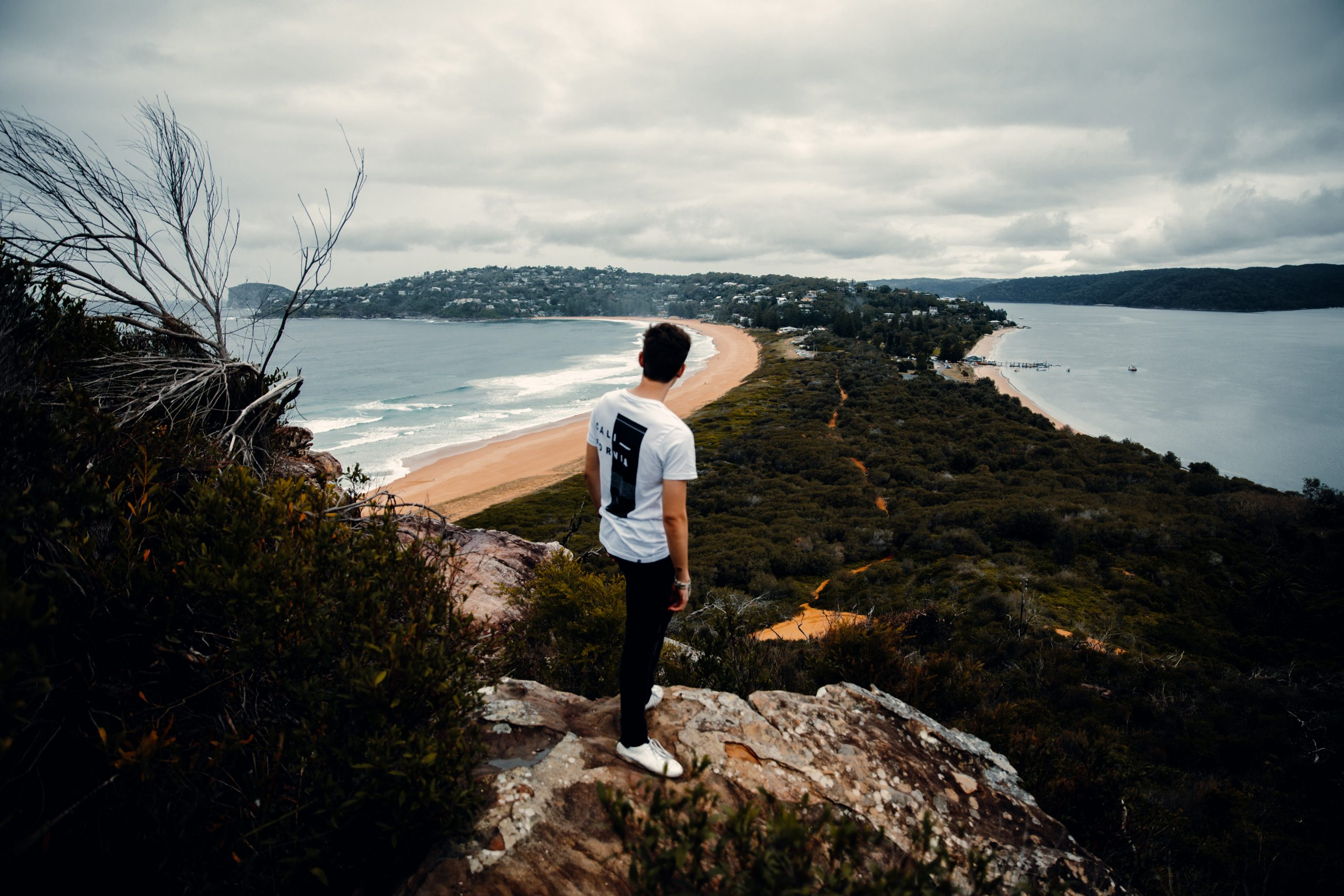 barrenjoey lighthouse hike right before a storm overlooking palm beach